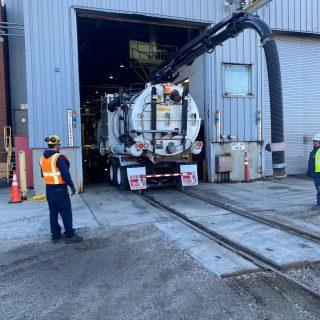Hi-Rail vacuum truck